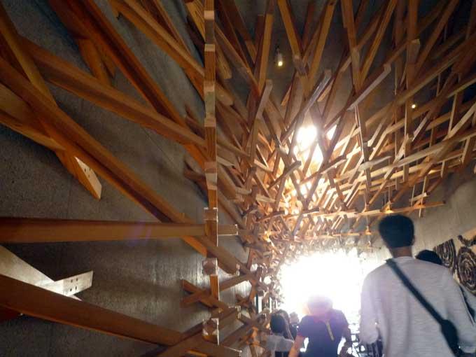 スタバ太宰府店の木組み