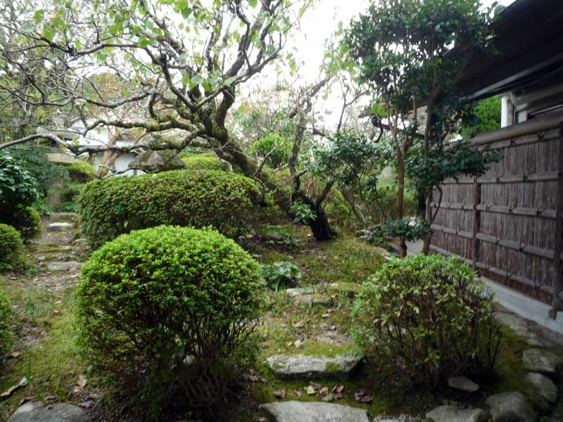 小野筑紫堂 庭園