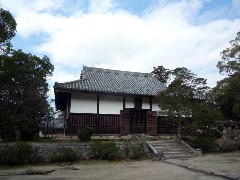 太宰府の観世音寺 金堂