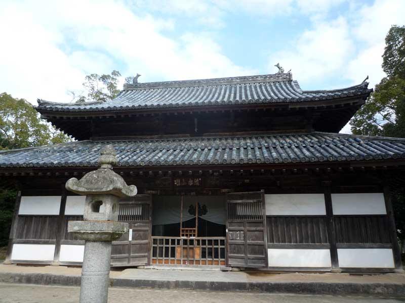 太宰府の観世音寺 講堂